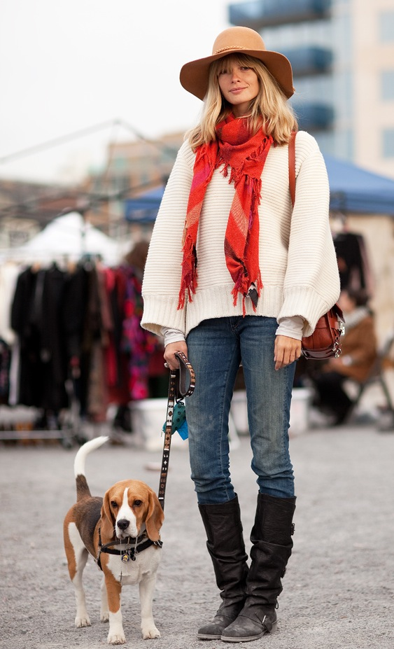 get-the-look-street-style-brown-floppy-hat-ivory-sweater-red-fringe-scarf-distressed-skinny-jeans-tall-black-boots-beagle2