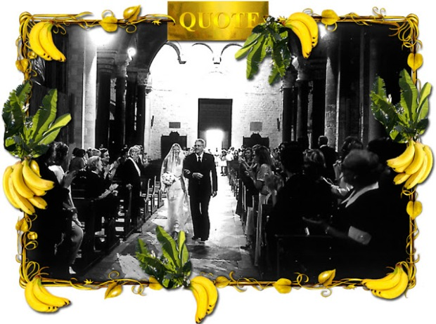 A fotón Anna van az édesapjával a saját esküvőjén, ahol egy Dolce & Gabbana kreációt viselt. Forrás: http://dellorusso.nowmanifest.com