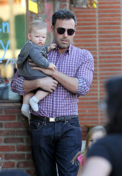 Dinner Date For Ben Affleck, Jen Garner, Girls And Baby Boy
