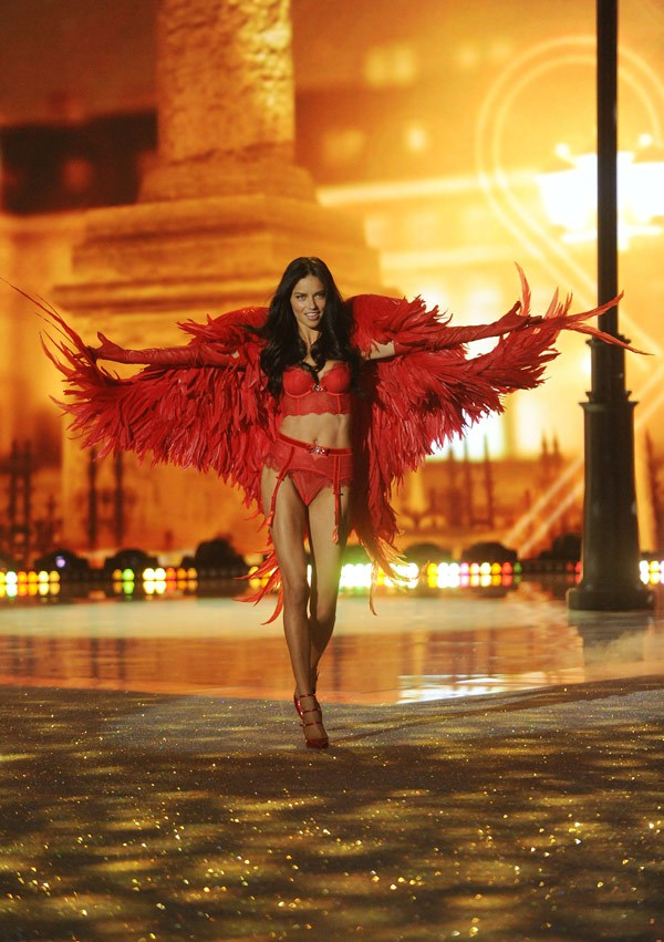 victoria-secret-fashion-show-gallery-9