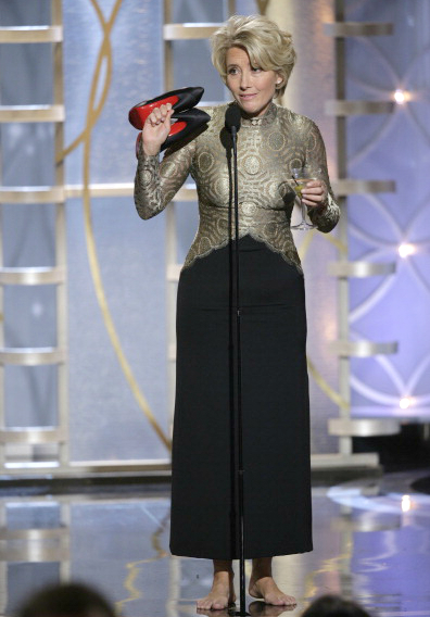 golden-globes-2014-emma-thompson-shoes-drink__140113031641