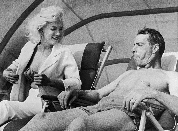 Marilyn Monroe and Joe DiMaggio on the Beach